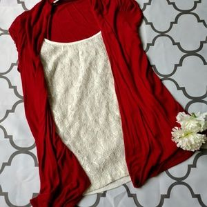 Lavish top size small red white